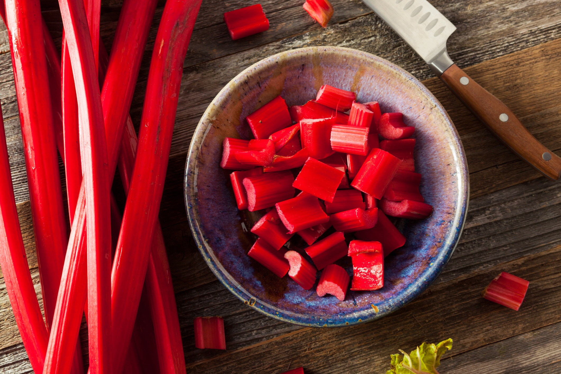 Ingredients to make rhubarb gin