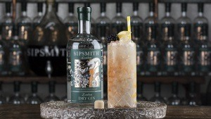 Bramble Cocktail with Sipsmith Gin